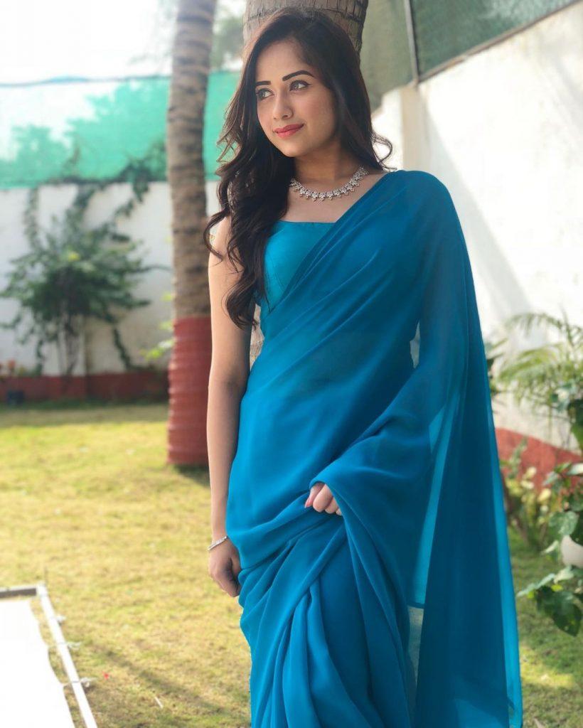 Jannat Zubair Hot HD Photos in Sharee