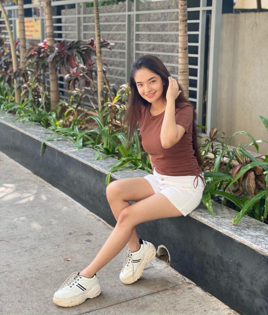Anushka Sen Hot HD Photos