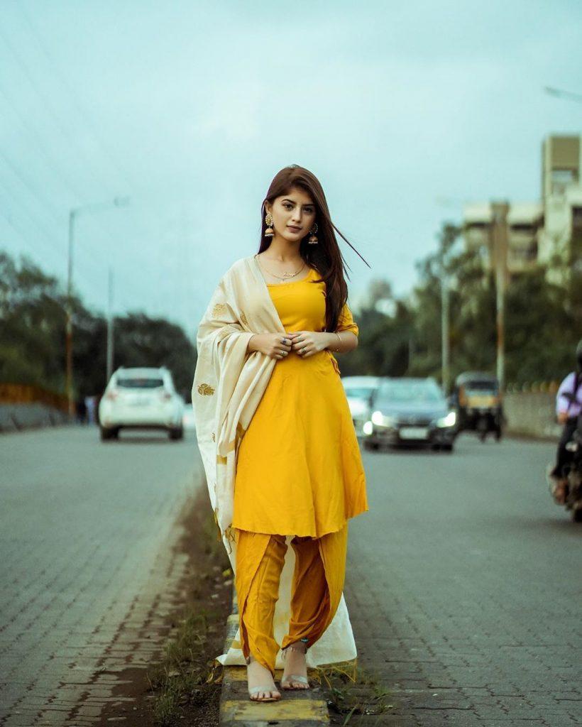 Arishfa Khan Hot HD Photos And Wallpapers